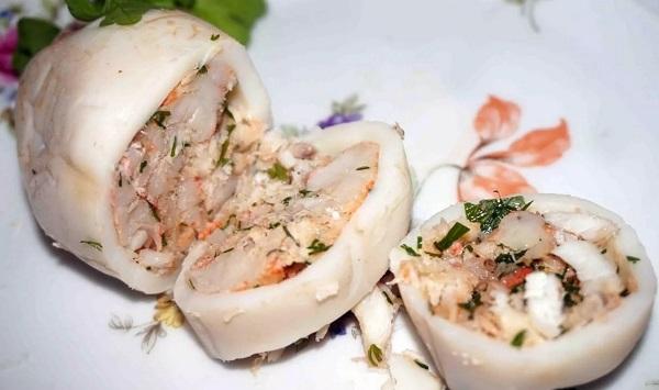 Фаршированные кальмары с грибами
