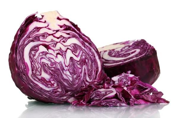 Салат из краснокочанной капусты с редькой