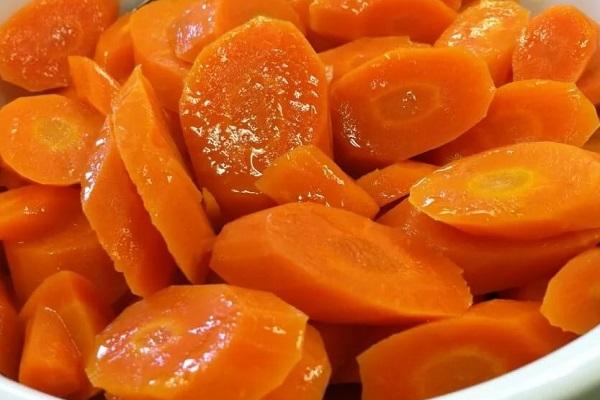 Салат из свинины с морковью