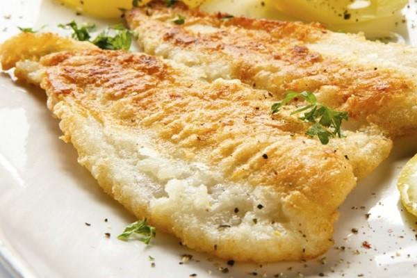Салат из рыбы и огурцов