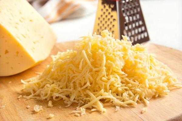 Салат с бужениной и сыром