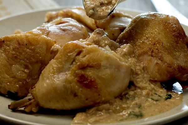 Курица в ореховом соусе в мультиварки
