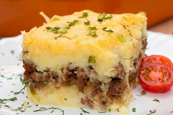 Мясная запеканка с картофелем в мультиварки