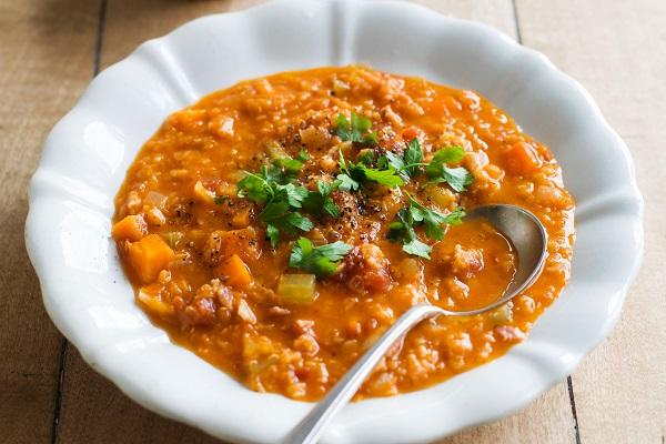 Суп пряный с чечевицей в мультиварки