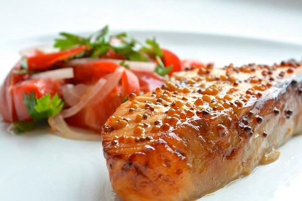 Рыба, запеченная с дижонской горчицей в мультиварке