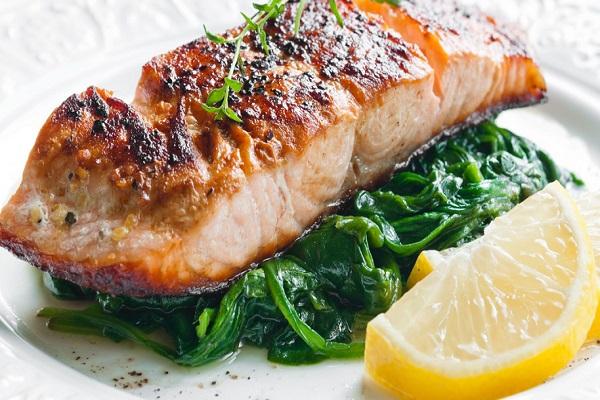 Рыба со шпинатом в мультиварке