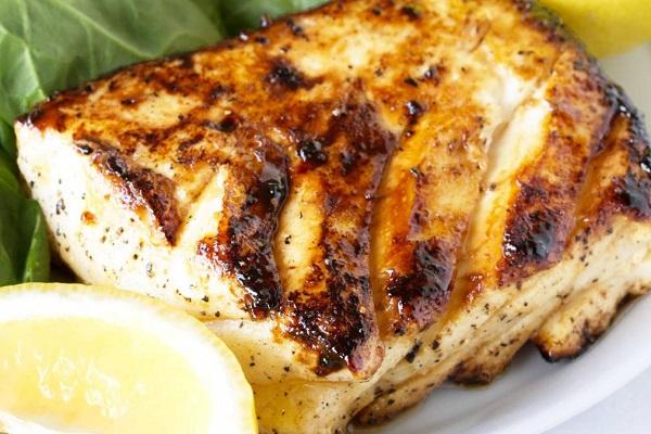 Жареное рыбное филе под соусом тартар в мультиварке