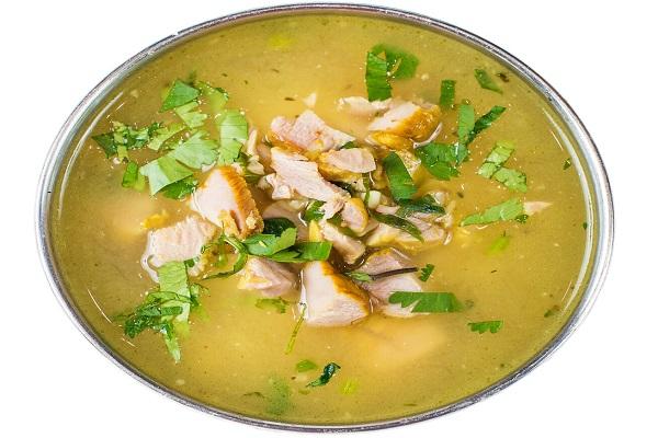 Прозрачный суп с курицей и трепангами