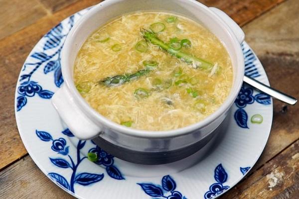 Суп с мясом и яйцом