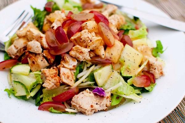 Салат из мяса птицы с овощами