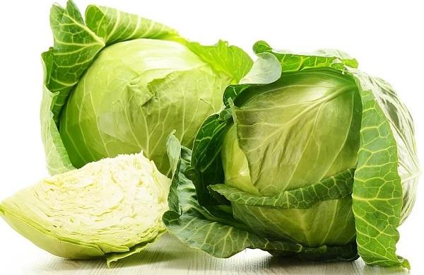 Салат из белокочанной капусты и кукурузы