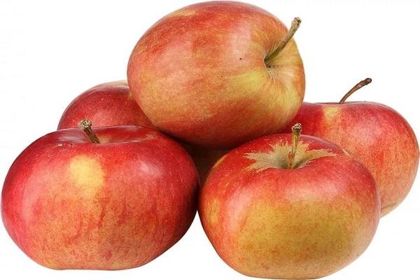 Салат из ветчины и яблок
