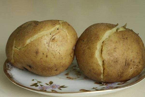 Салат из ветчины с картофелем и зеленью